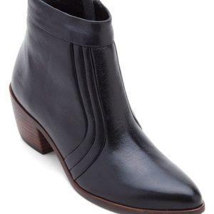 """Leather boots by Matisse """"Cece"""" ankle boot in 7.5"""